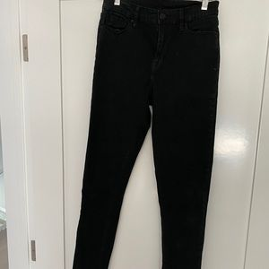Black high waisted BDG jeans size 25